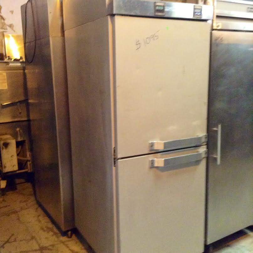 hobbat two-in-one freezer and refrigerator