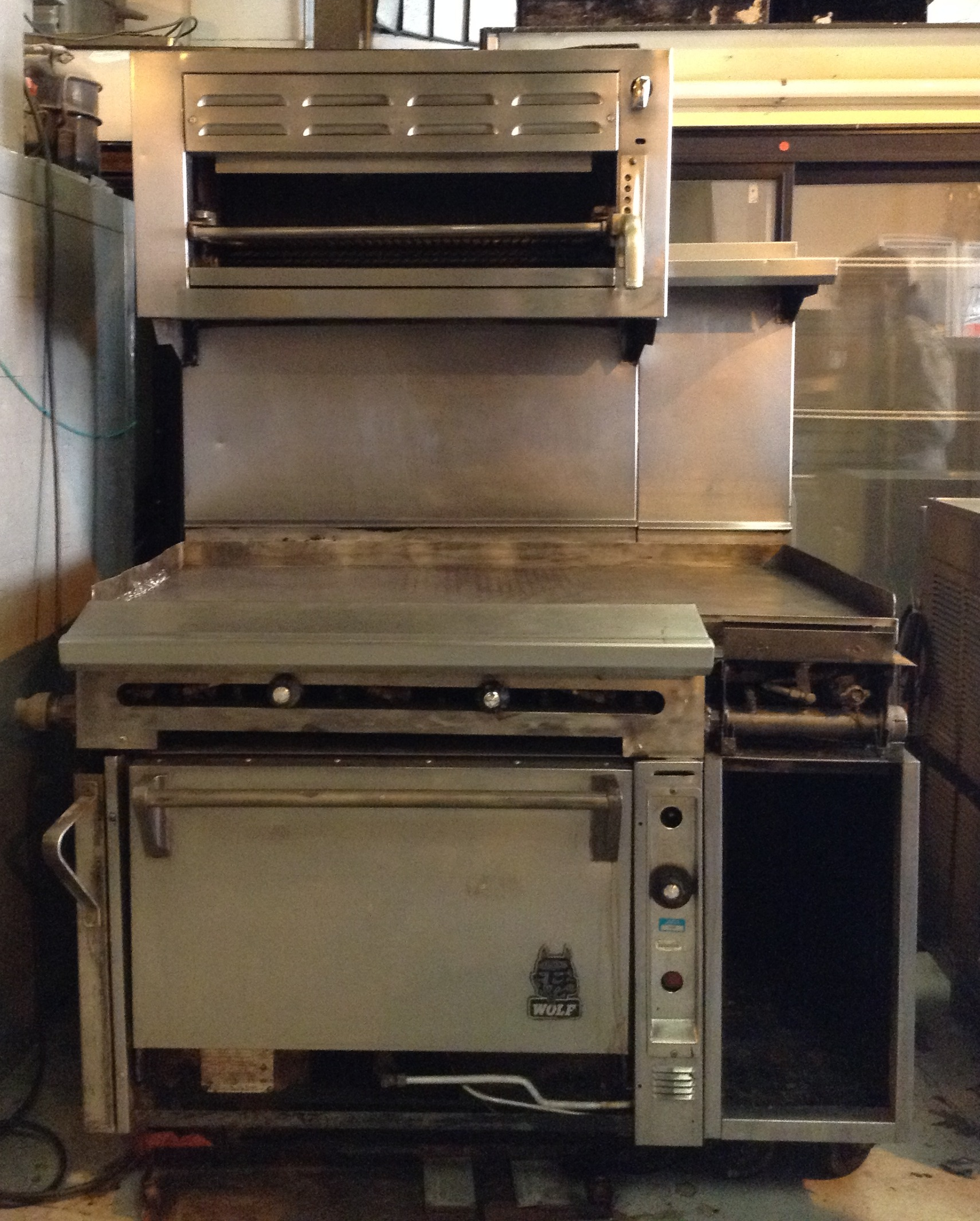 Wolf Range w/Oven & Griddle