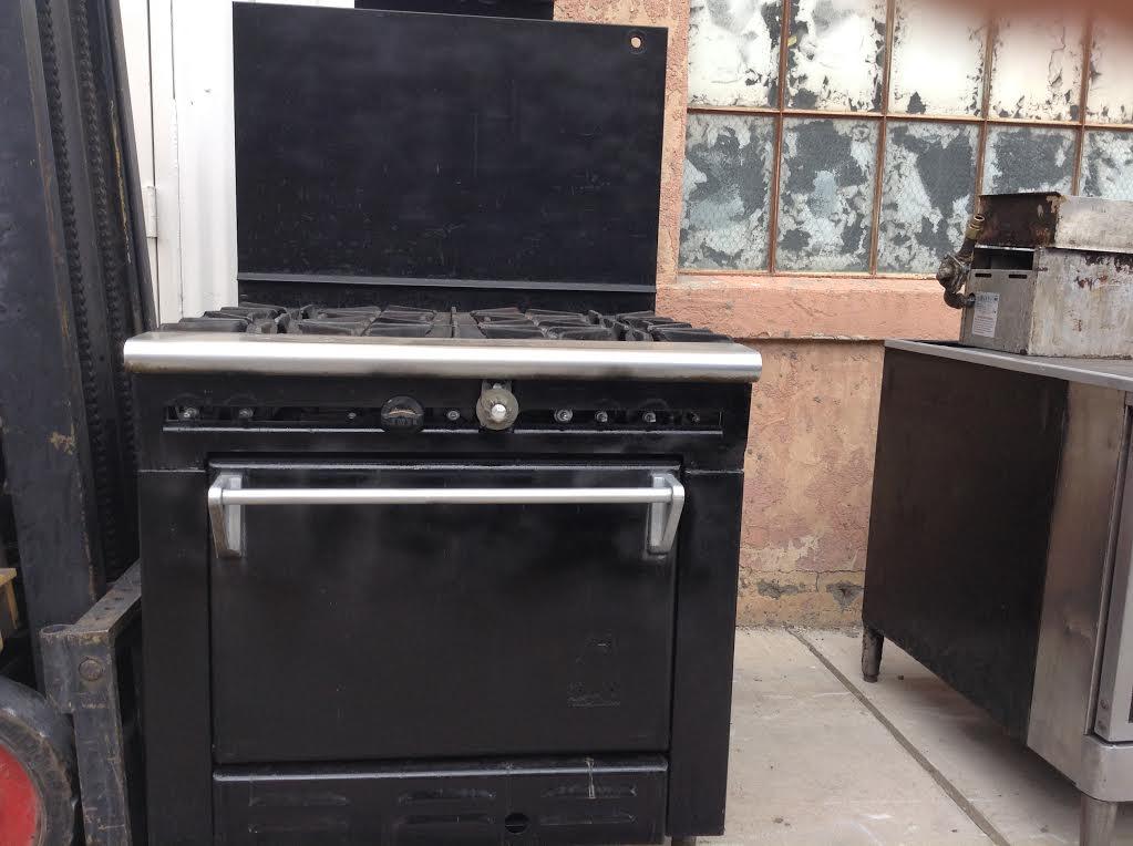 6 Burner Range w/Oven