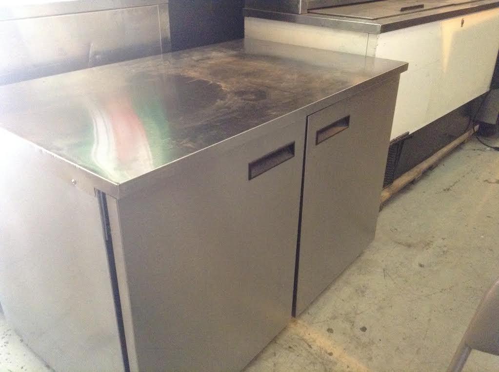 Under-Counter 2 Door Refrigerator for Bar